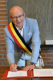 Etienne BERTRAND (groupe IC-MR apparenté CDH)